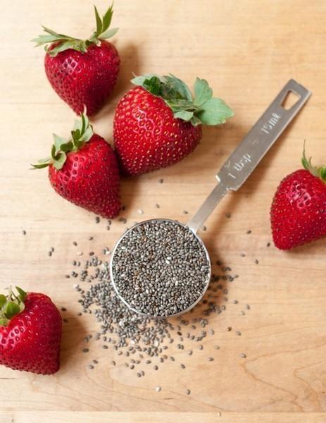 Полезный клубничный джем с семенами чиа: простой рецепт БЕЗ сахара!