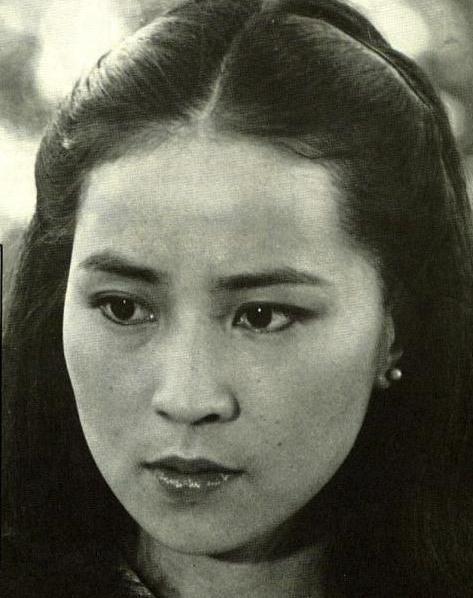 Линь фэнцзяо совместный фильм с джеки чаном фильм про катастрофу над боденским озером со шварценеггером