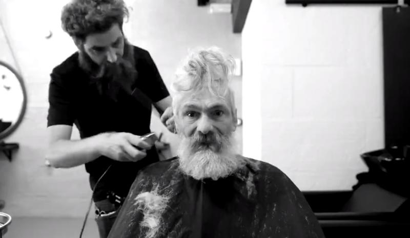 55 летний бездомный расплакался после невероятного превращения вгорячего хипстера