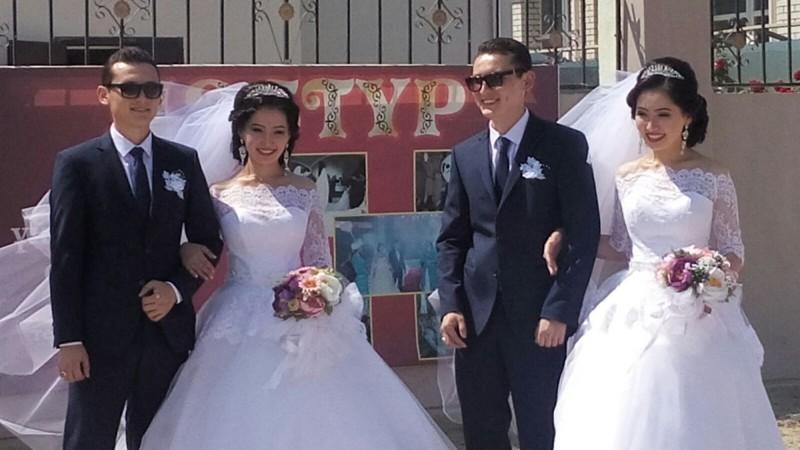 Вглазах двоится: братья близнецы женились надвойняшках иживут водной квартире