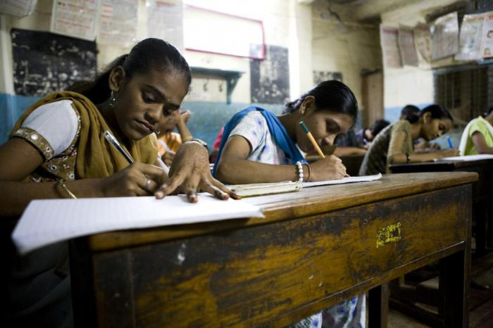 Что происходит с обществом, когда женщины получают образование?
