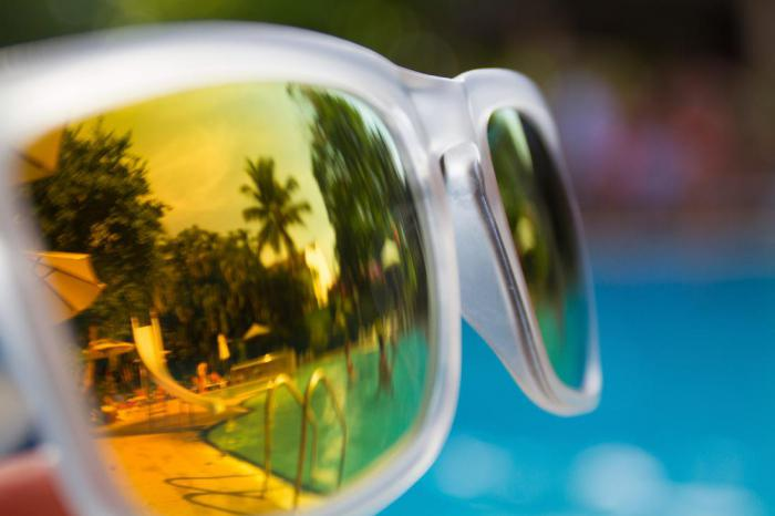 Вы должны менять очки от солнца чаще, чем думаете
