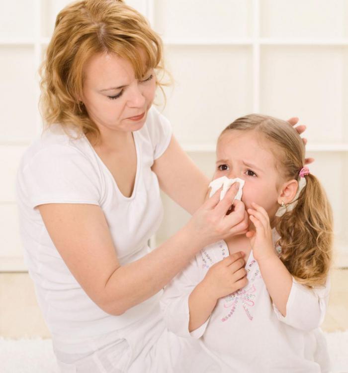 Почему при простуде изменяют цвет выделения из носа?
