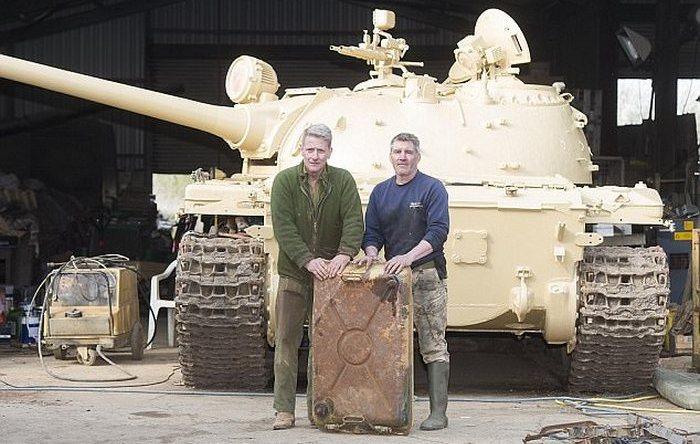 Коллекционер нашел слитки золота стоимостью $ 2 миллиона в старом танке