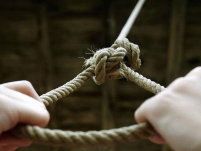 Из за этой «игры» уже 20 подростков совершили самоубийство... Вот как уберечь своих детей.