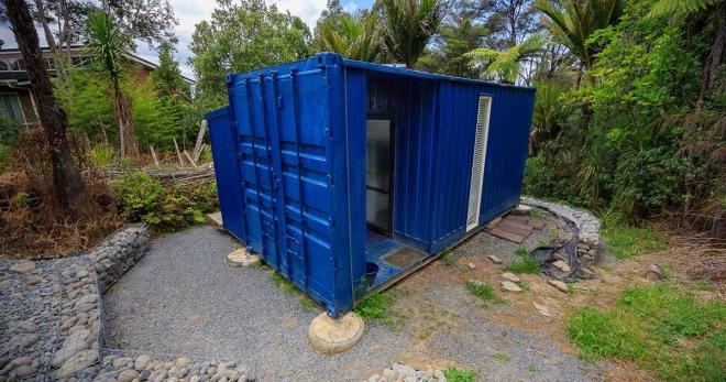 Женщина вынужденна жить в контейнере площадью 10 м². В это сложно поверить, пока не зайдешь внутрь!