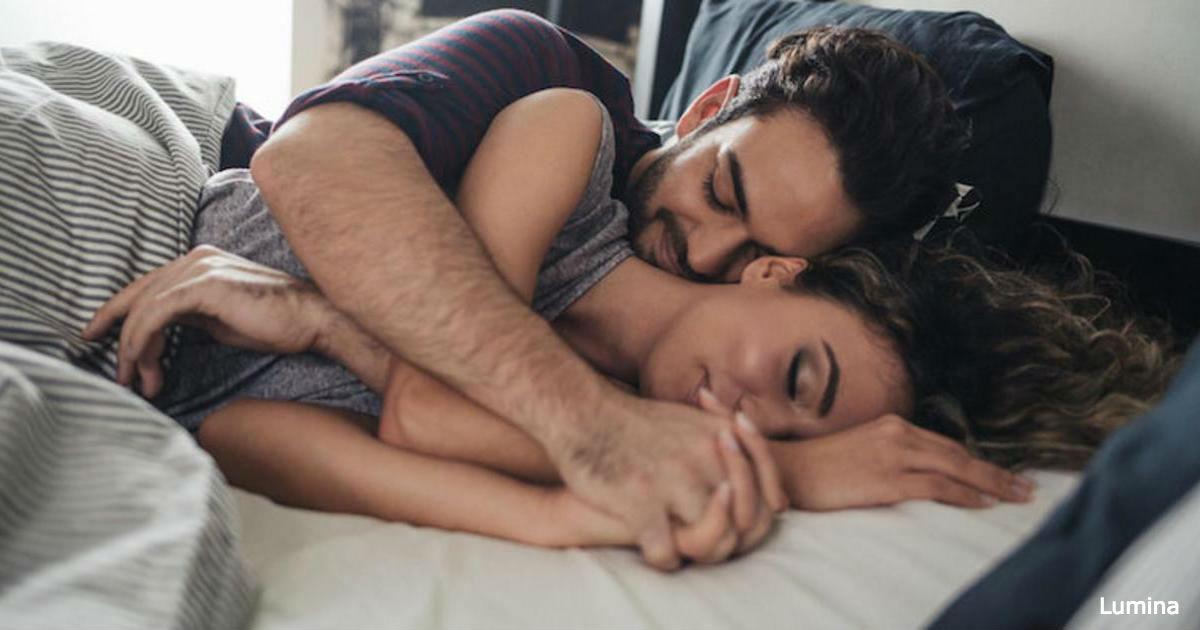 фото пары спящих в обнимку люблю
