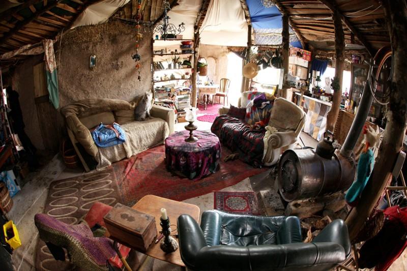 Этапара построила «домик хоббитов» из за «аллергии насовременную жизнь»