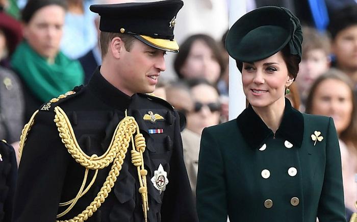 Горячий скандал в королевской семье: принц Уильям веселится в клубе с красоткой моделью.