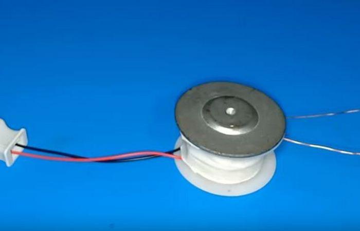 Как смастерить трансформатор из динамика за 10 минут