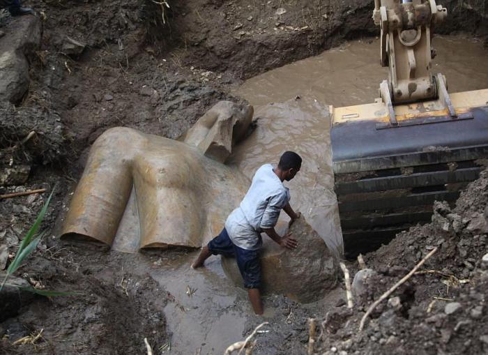 Как оказалось, обнаруженная в Каире гигантская статуя не имеет отношения к Рамзесу II
