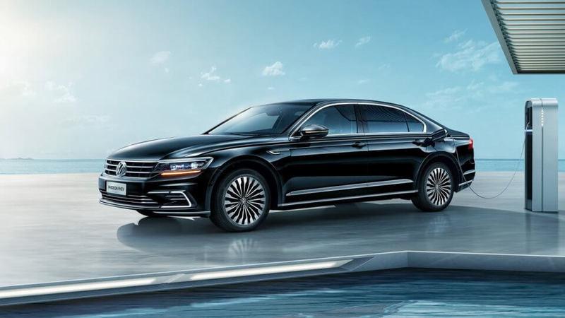 VW сделал для китайцев большой гибридный седан