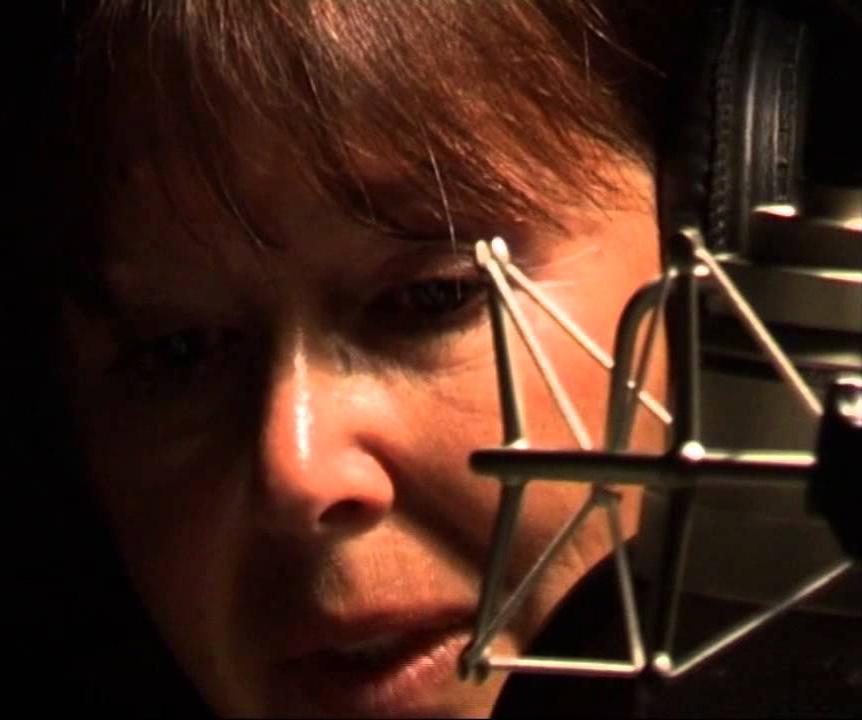 «Костер»: пронзительное стихотворение Сони Шаталовой читает Евгения Симонова