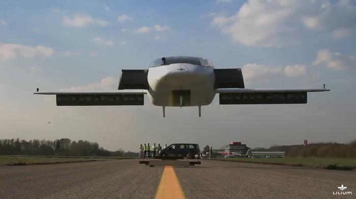 В Германии создали первый электросамолет с вертикальным взлетом