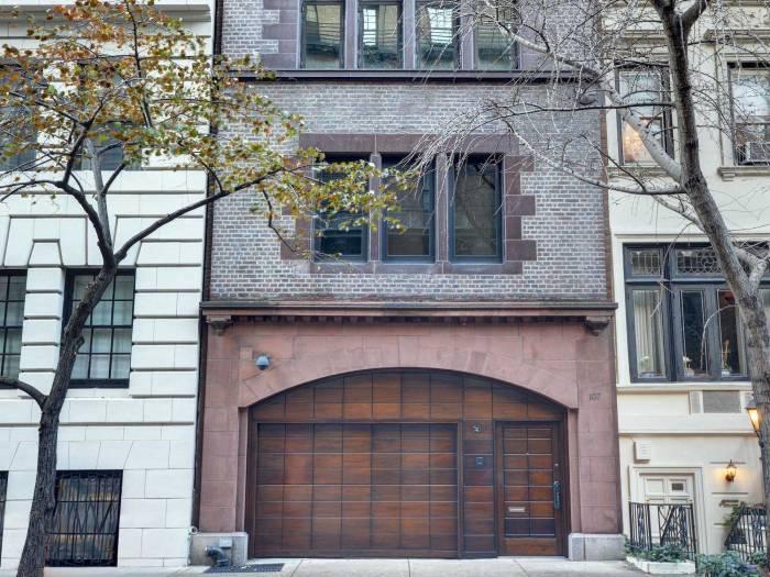 Снаружи этот дом напоминает гараж, но за него просят 29 миллионов!